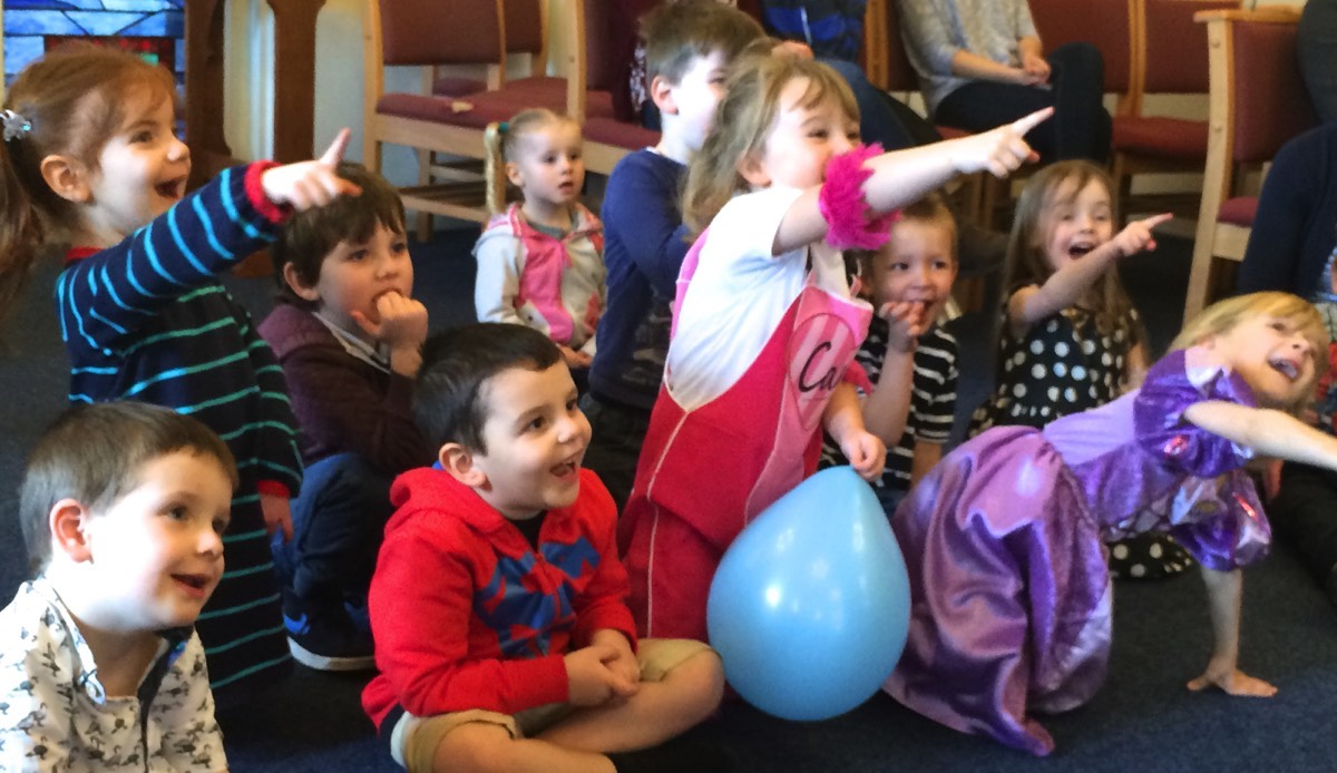 kids puppet show london
